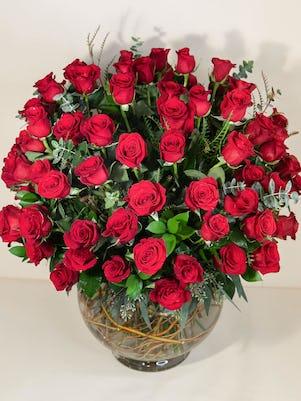Large Vase of 100 Stunning Long-stem Roses